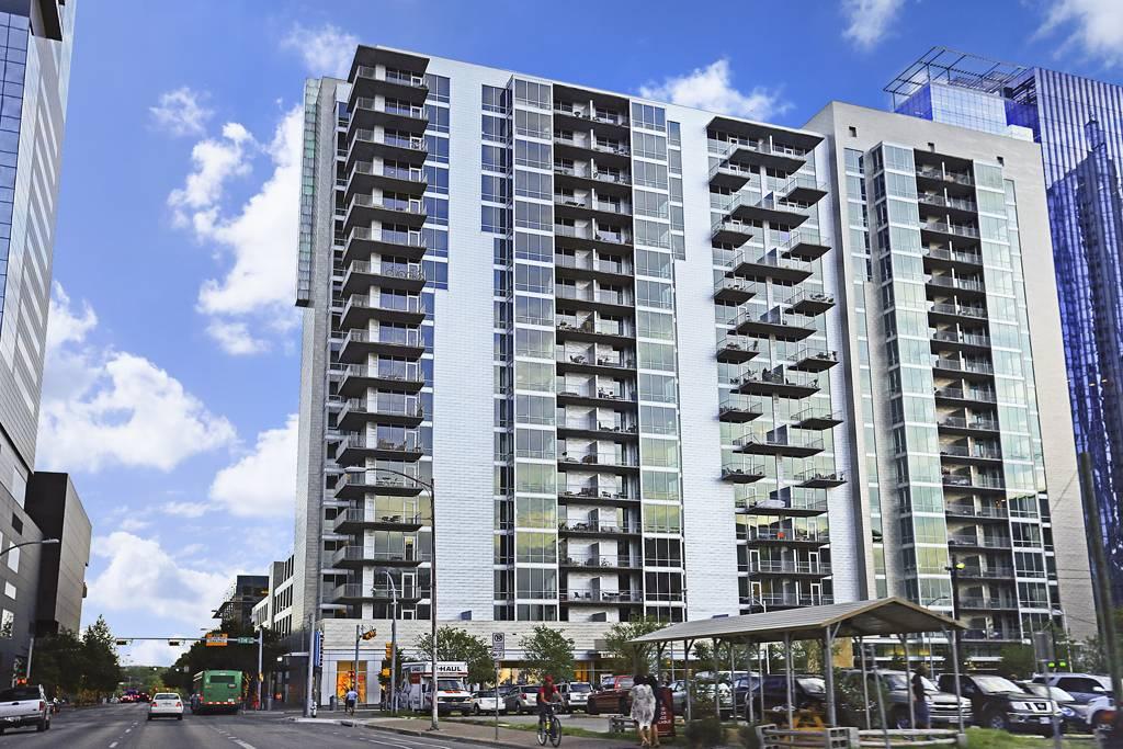 AMLI on 2nd Apartments at 421  W 3rd St, Austin, TX 78701