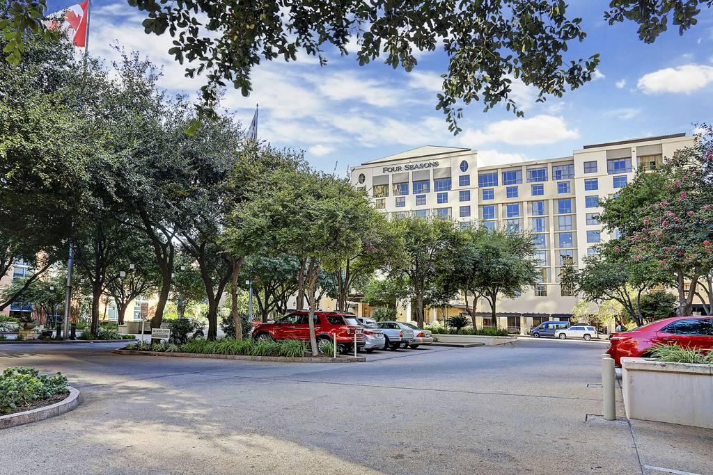 Four Seasons Residences at 98  San Jacinto Blvd, Austin, TX 78701