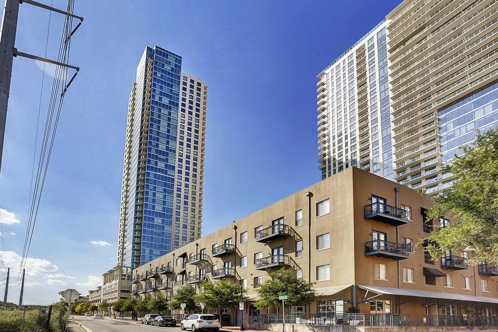 Spring Condominiums at 300  Bowie St, Austin, TX 78703