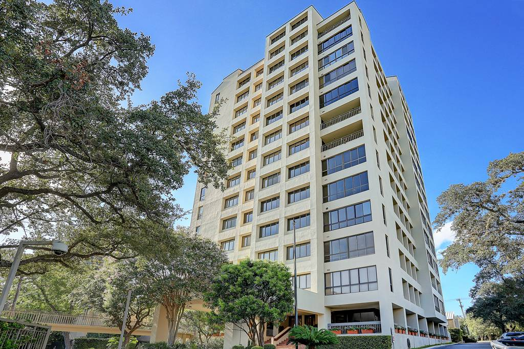 4001 Condos at 4001  N New Braunfels, San Antonio, TX 78234