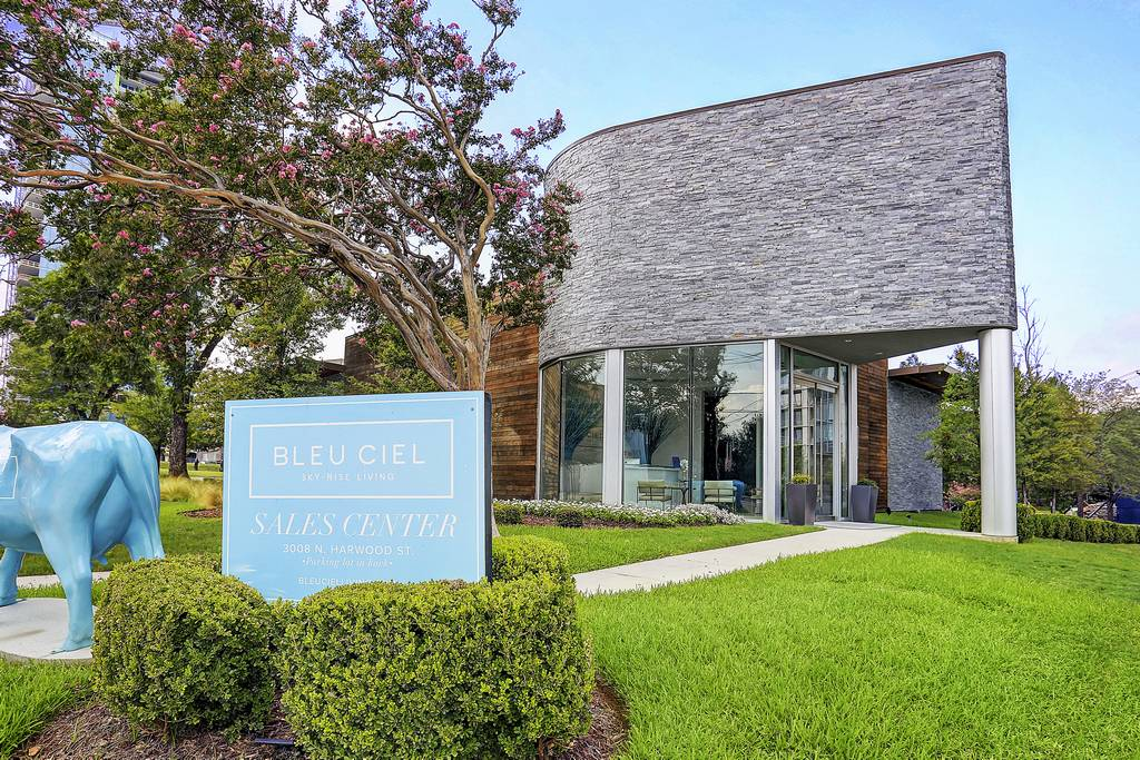 Bleu Ciel at 3130  N Harwood St, Dallas, TX 75201