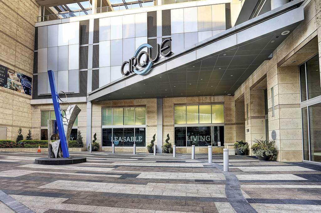 Cirque Apartments at 2500  N Houston St, Dallas, TX 75202