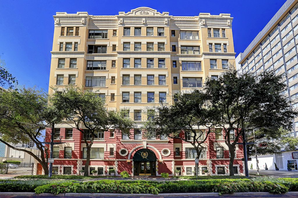 The Beaconsfield at 1700 Main St, Houston, TX 77002