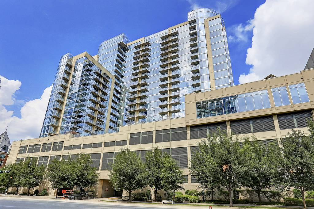 Glass House Apartments Highrise at 2728 Mckinnon St, Dallas, TX ...