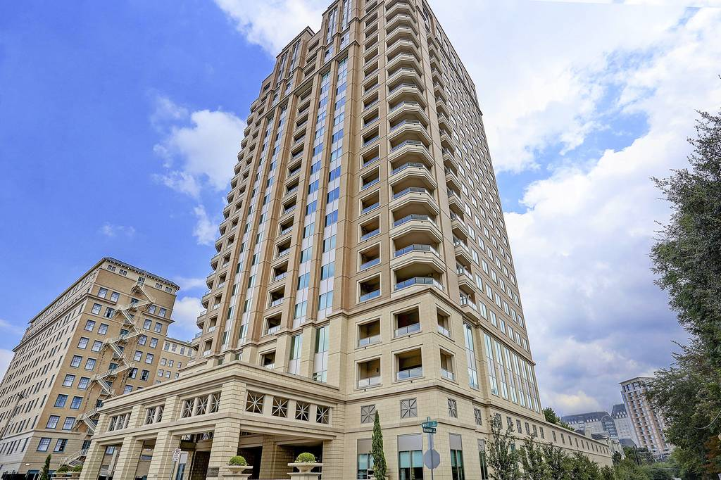 Residences at Stoneleigh at 2300  Wolf Street, Dallas, TX 75201