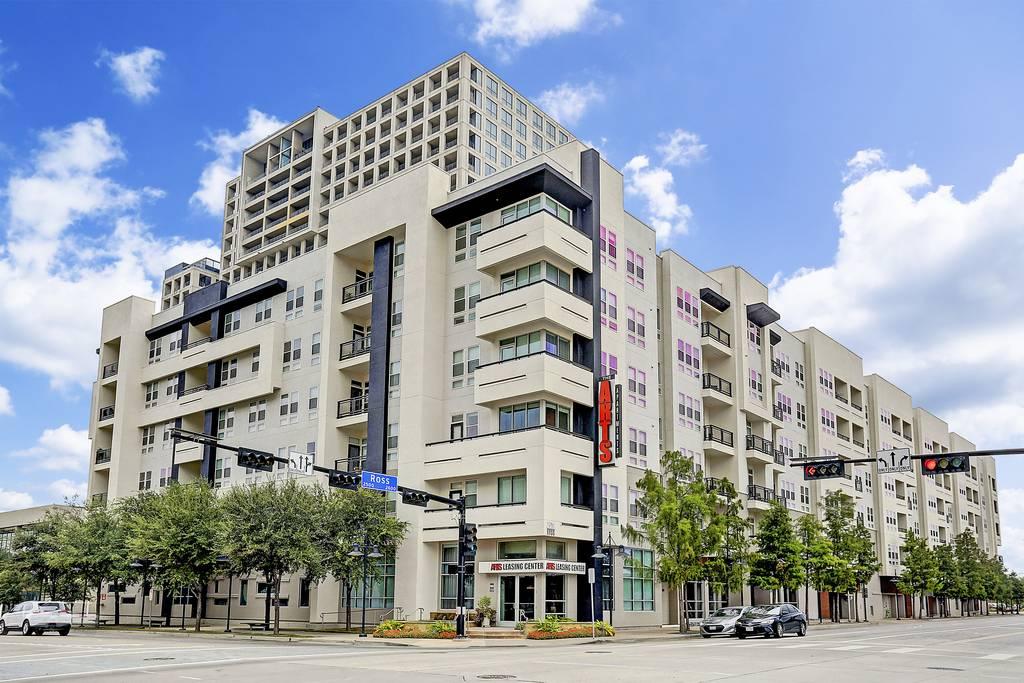 The Arts Apartments at 2611  Ross Ave, Dallas, TX 75201
