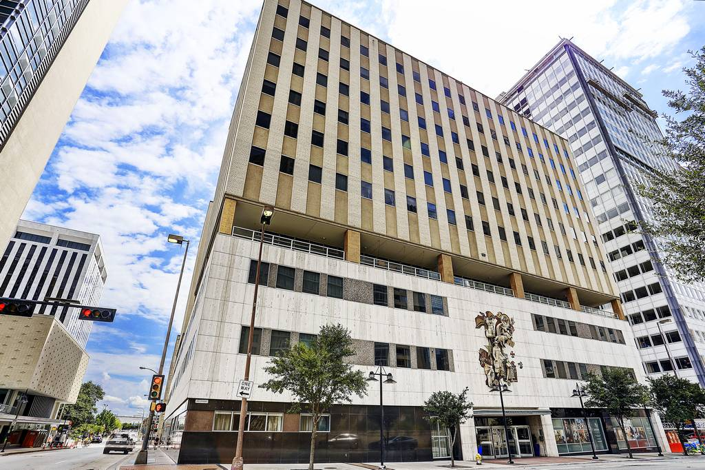The Continental Apartments at 1810  Commerce St, Dallas, TX 75201