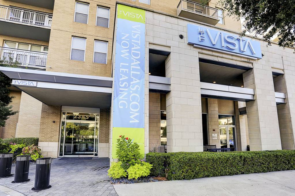 The Vista Apartments at 2345  N Houston St, Dallas, TX 75219