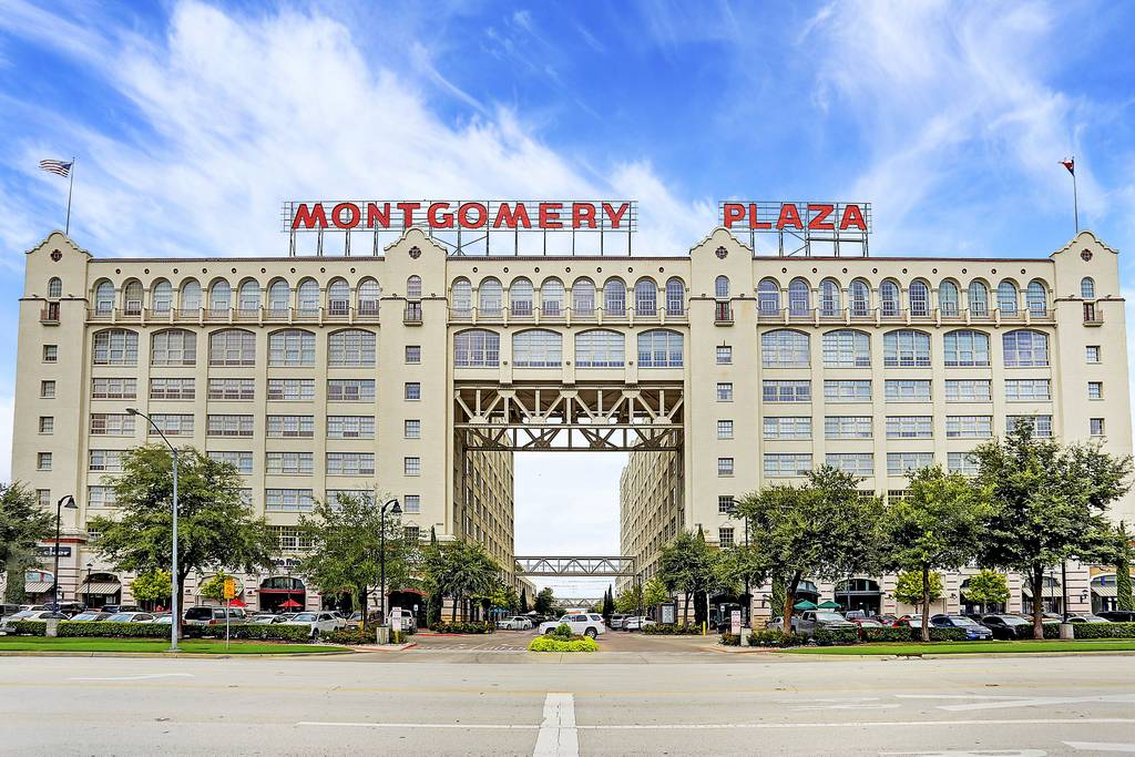 Montgomery Plaza at 2600  W 7th St, Fort Worth, TX 76107