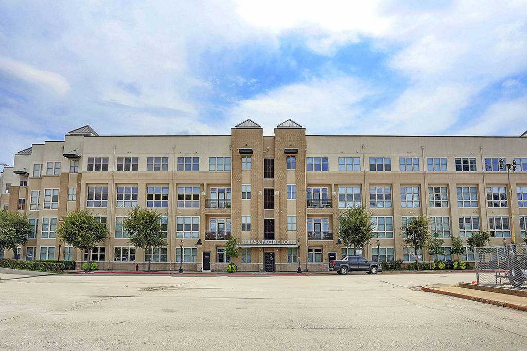 Texas & Pacific Lofts at 201 & 221 W Lancaster Ave, Fort Worth, TX 76102
