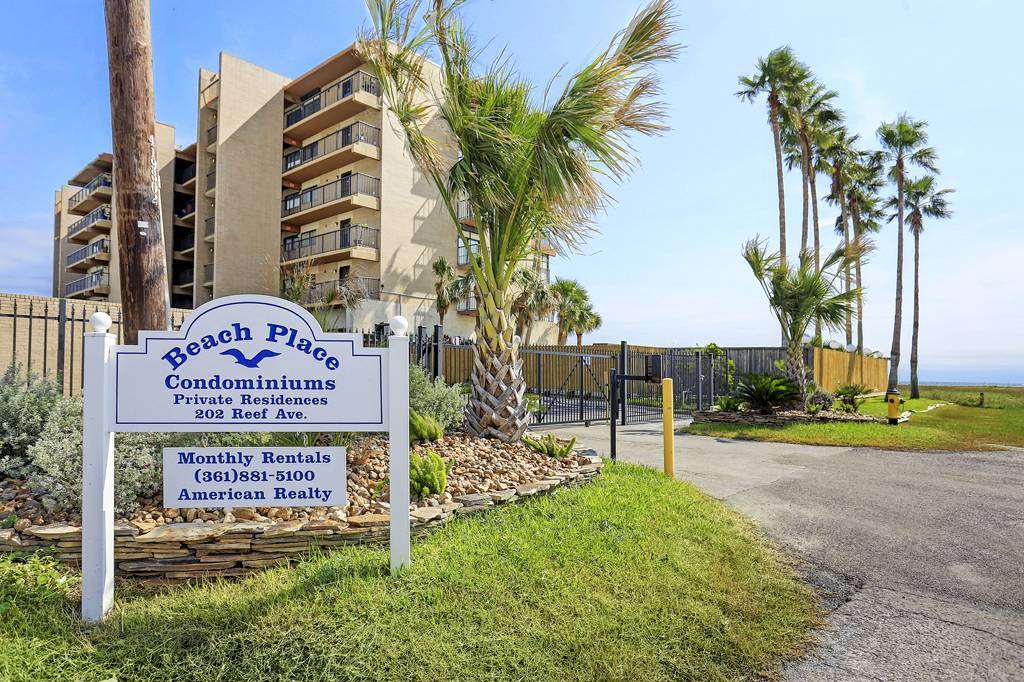 Beach Place at 202  Reef Ave, Corpus Christi, TX 78402