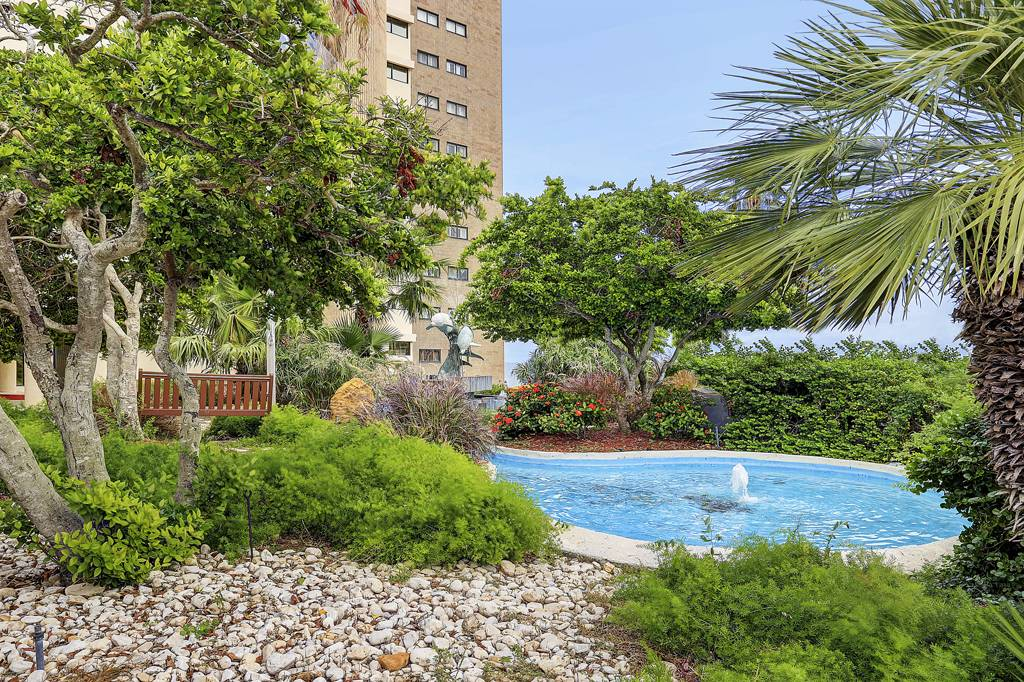 Twin Dolphins Highrise at 4350 Ocean Dr, Corpus Christi, TX 78412 ...