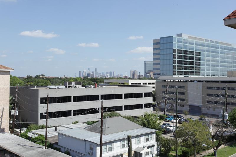 Serento at 2203 Dorrington St, Houston, TX 77030