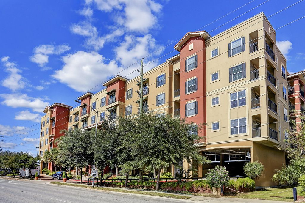 The Valencia at 1711 Old Spanish Trail, Houston, TX 77054