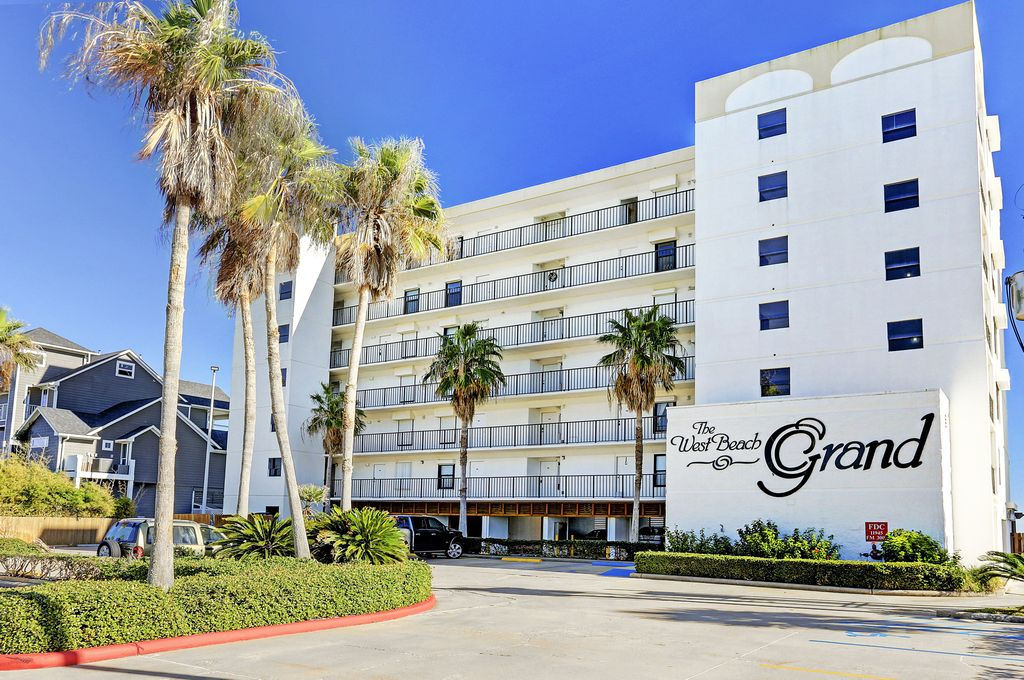 West Beach Grand at , Galveston, TX 77554