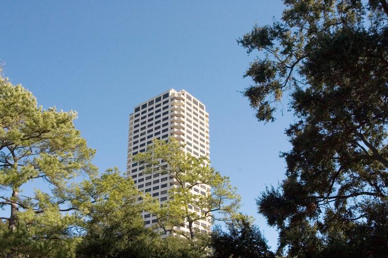 The Huntingdon at 2121  Kirby, Houston, TX 77019