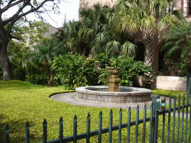 Villa Serena at 2700 Albany, Houston, TX 77006