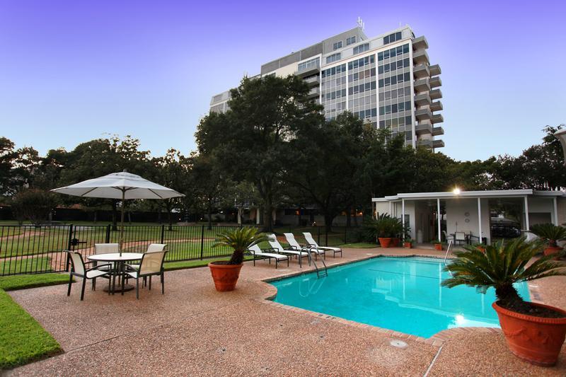 Regency House at 2701 Westheimer Rd, Houston, TX 77098