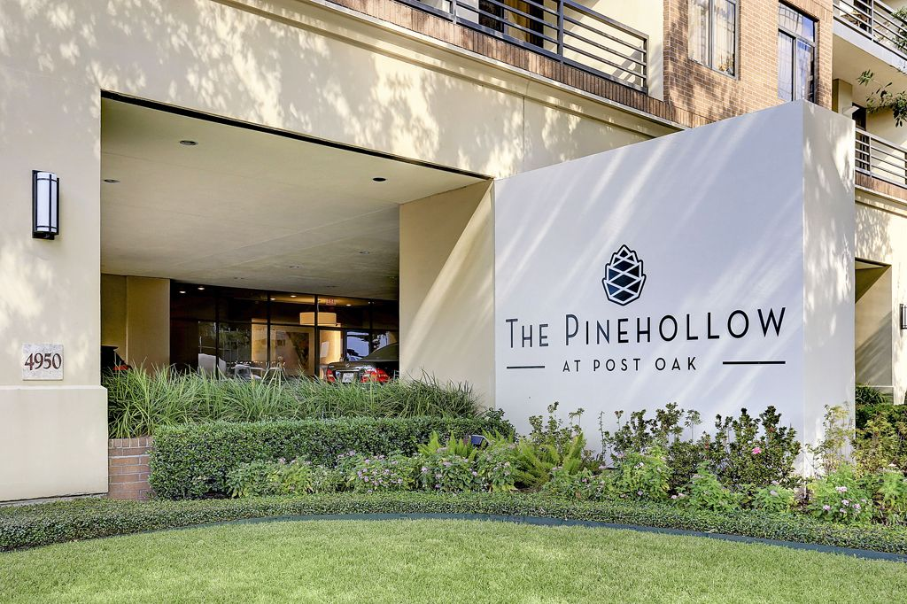 The Pinehollow at 4950  Woodway, Houston, TX 77056