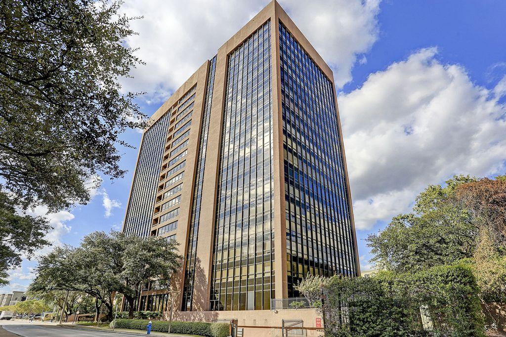 The Oxford at 5150  Hidalgo, Houston, TX 77056