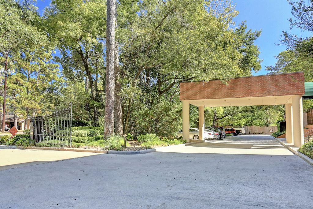 The Memorial at 9333 Memorial, Houston, TX 77024