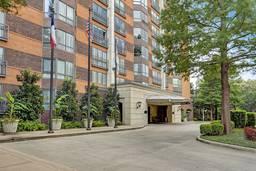 Crestpark Condominiums