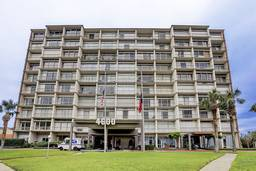 Forty-Six Hundred Condominium